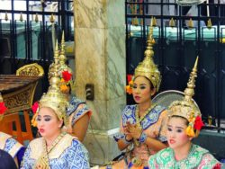 Thajské tanečnice na náměstí Erawan