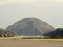 Pyramida mesice